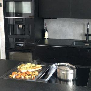 Marko Vesaikon BORA Professional Teppanyaki teräsgrillitaso